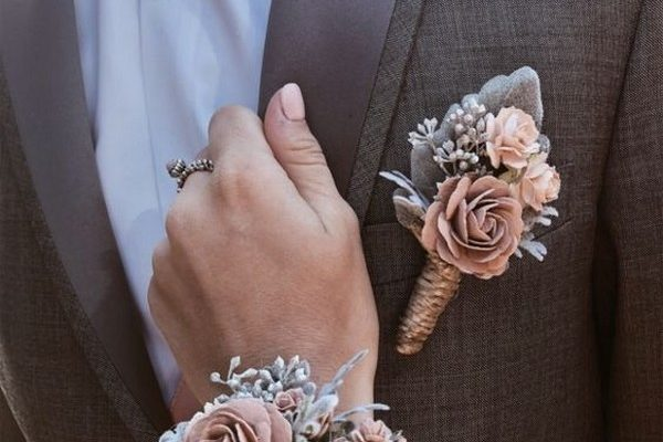 Boutonniere, Wrist Flower, Prom, Boutonnieres, Prom Boutonnieres, Prom Photography, Prom Corsages