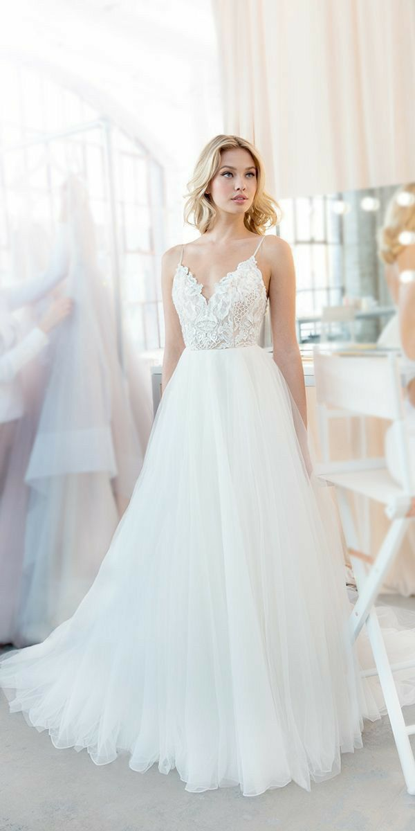 simple lace and aline country wedding dress