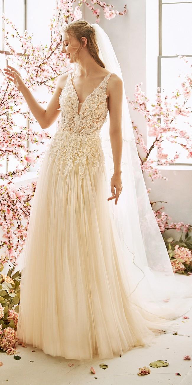 evase wedding dress v neck embroidered tulle fabric fern