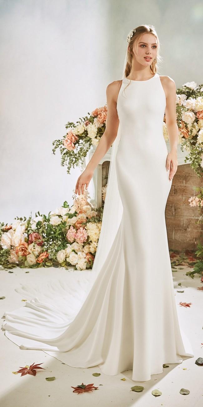 mermaid wedding dress halter neckline tattoo effect back crepe narcissus