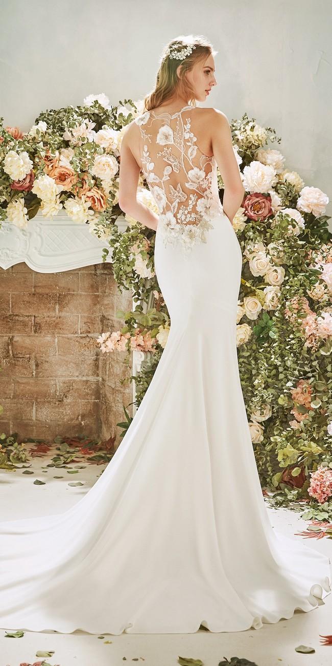 mermaid wedding dress halter neckline tattoo effect back crepe narcissus2