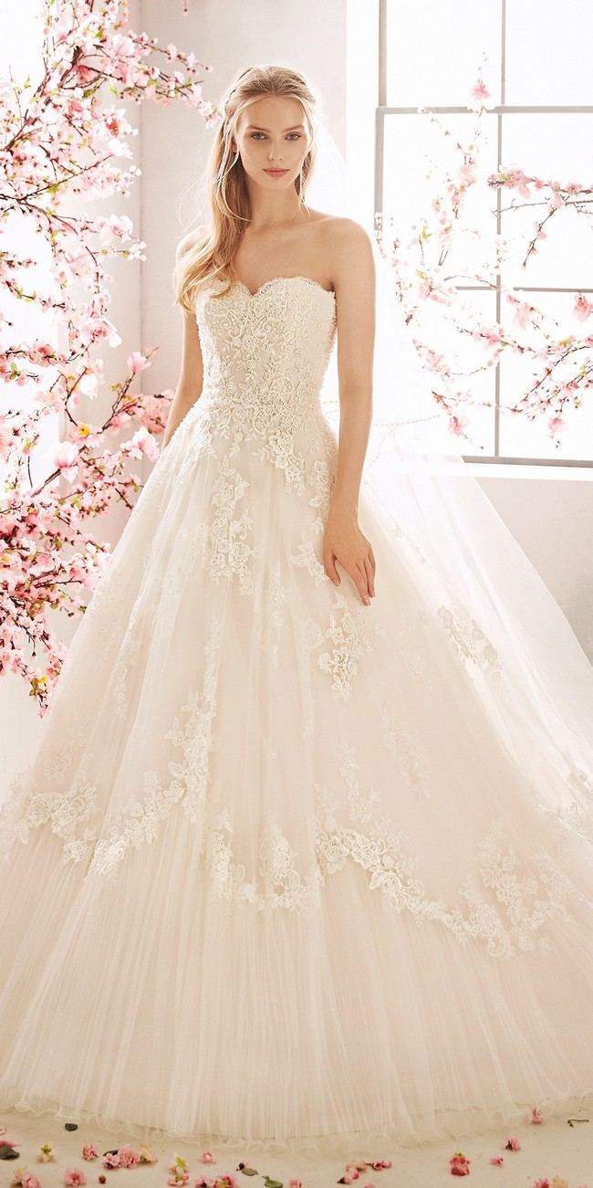 princess wedding dress sweetheart neckline open back embroidered tulle acacia