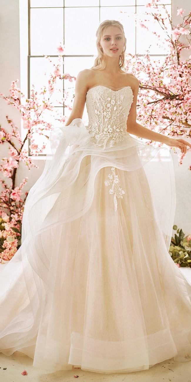 wedding dress princess cut sweetheart neckline open back callalily