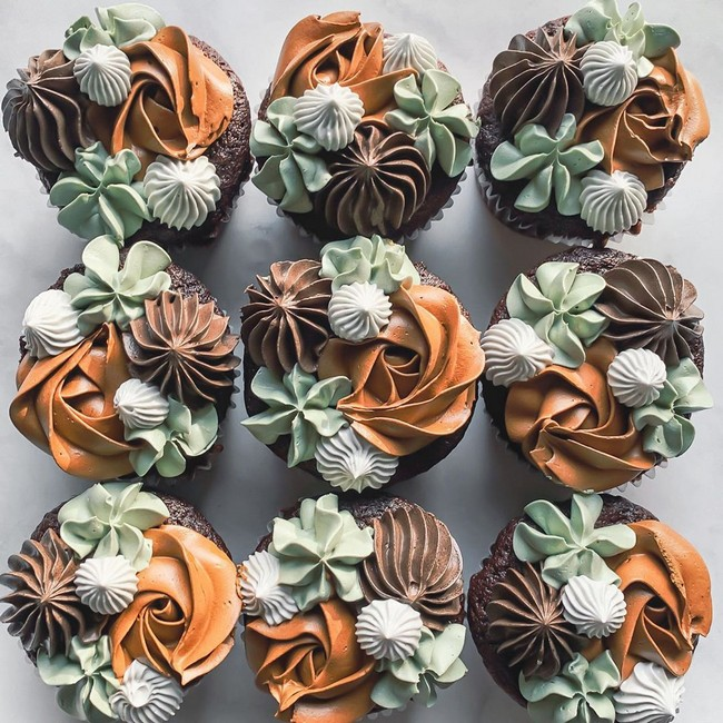 laurynmariebakes Cupcake Decorating Ideas #cakes #cupcakes
