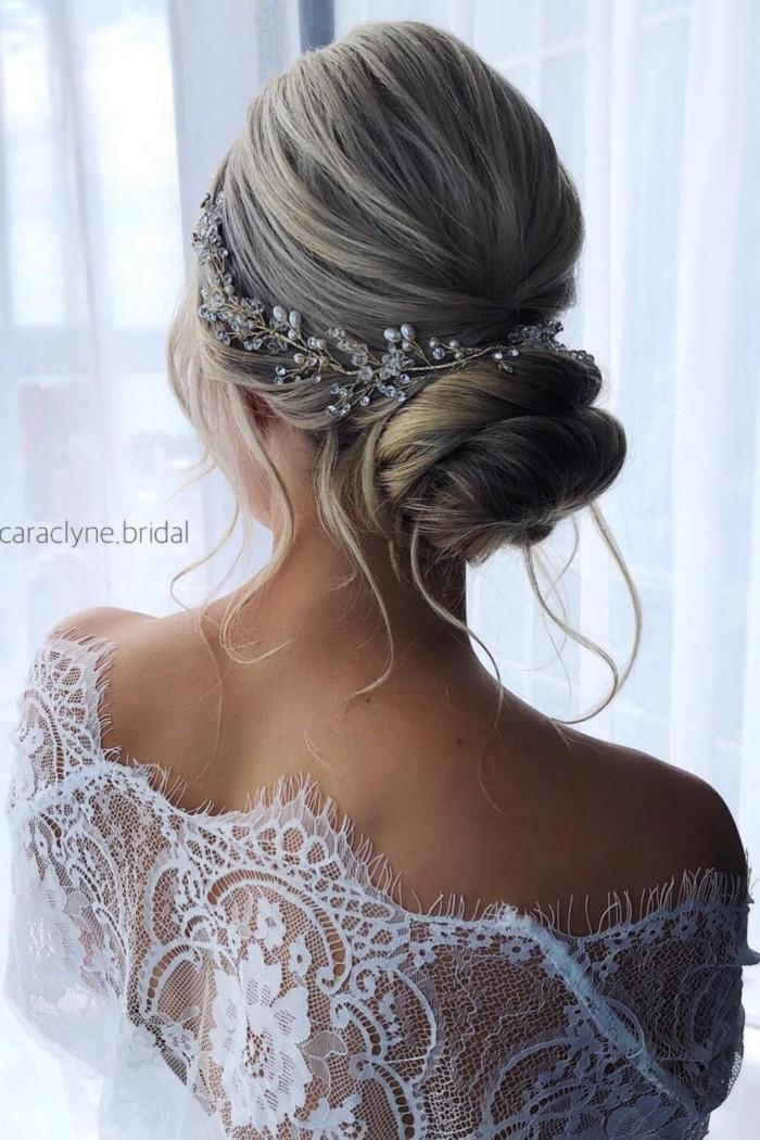 caraclyne.bridal Long Wedding Hairstyles and Updos  #wedding #weddingupdos #weddingideas #hairstyles